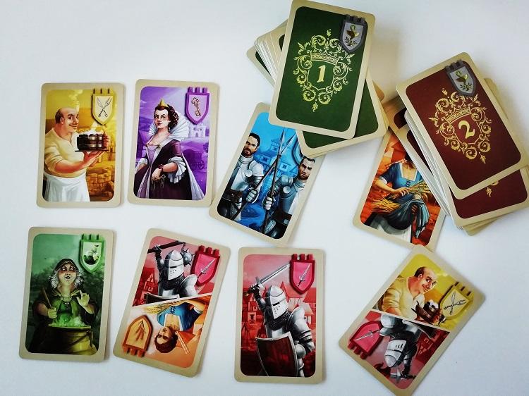 Karty postaci.